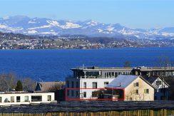 Luxuriöse Loft Wohnung mit direktem Seeblick